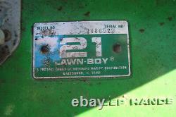 Lawnboy Lawn Boy Lawnmower mower vintage antique 8237 2 stroke runs