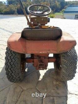 Vintage 1965 Wheel Horse 605 garden tractor