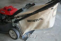 Honda Harmony II Hrt216 Autopropulsés Tondeuse D'occasion, En Très Bon État