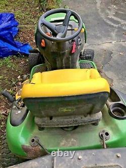 John Deere L111 Tondeuse De Tracteur De Pelouse D'équitation Avec Pièces Jointes 240 Heures