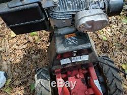 Rototiller De Jardin Automoteur De Jardin Troy Bilt Tuffy M12217: Le Nouveau Carburateur Tourne