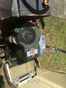 Simplicité 4212 Pelouse Hydrostatiques Tracteur No Rust Personnalisé Pile Droite Canalisée